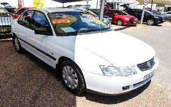 2003 Holden COMMODORE EXECUTIVE VY